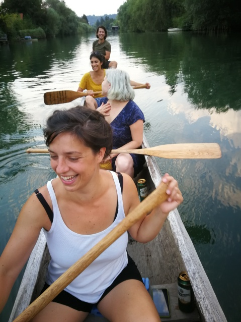 Na in ob Ljubljanici z deblaki. / On and by the river with the logboats.
